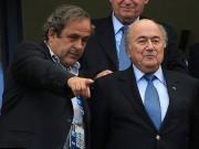 """Bóng đá - Hỗn loạn: """"Bố già"""" Blatter và Platini bị treo quyền"""