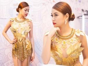 """Thời trang - Hoàng Thùy Linh quyến rũ với váy xuyên thấu """"dát vàng"""""""