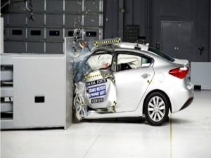 Ô tô - Xe máy - Ấn Độ siết chặt chất lượng xe ô tô do tai nạn gia tăng
