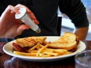 Sức khỏe đời sống - Những thói quen tai hại dễ gây sỏi thận cần loại bỏ ngay