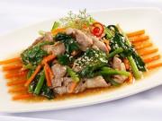 Ẩm thực - Rau cải xào thịt thơm ngon cho bữa cơm tối