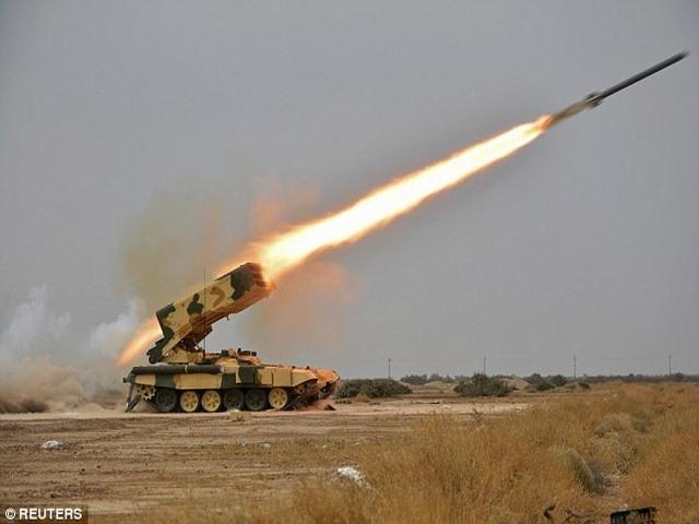 Nga phô diễn sức mạnh vô địch của tên lửa phóng loạt - 3