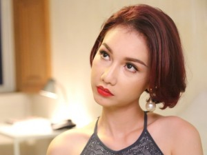 Ngôi sao điện ảnh - Quỳnh Chi vượt qua nỗi đau ly hôn bằng... thuốc ngủ