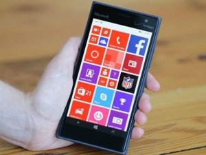 Đánh giá Lumia 735: Cấu hình thấp, nhưng pin bền