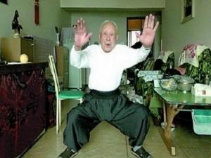 Tin tức trong ngày - TQ: Cụ ông 95 tuổi hạ đo ván tên cướp
