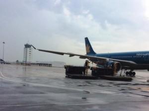 Tin tức trong ngày - Sân bay Tân Sơn Nhất có nguy cơ đóng cửa vì ngập