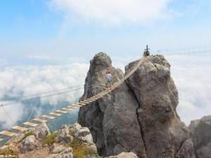 Phi thường - kỳ quặc - Chùm ảnh nóng: Những cây cầu đáng sợ nhất thế giới