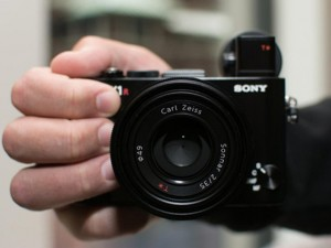 Máy ảnh Sony RX1R II: Thiết kế nhỏ gọn, hiệu suất mạnh mẽ