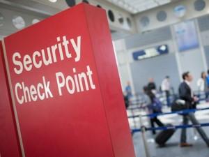 Công nghệ thông tin - Mỹ: Cấm để pin sạc dự phòng trong hành lý ký gửi