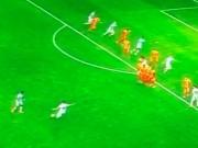 Các giải bóng đá khác - Siêu phẩm của Van Persie cho Fenerbahce