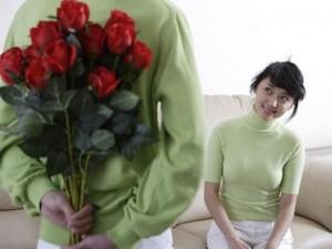 """Bạn trẻ - Cuộc sống - Từ ngày cưới nhau, chồng """"quên"""" tặng quà tôi ngày 20/10"""
