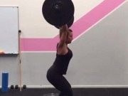 Thể thao - Chuyện lạ: Cô gái có bầu 16 tuần vẫn nâng tạ 40kg