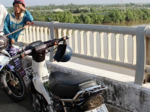 Tin tức trong ngày - Tìm thấy thi thể người đàn ông nhảy sông tự tử