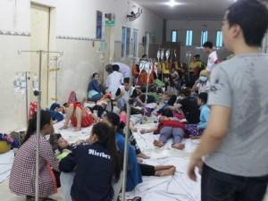 Tin tức Việt Nam - Gần 1.000 công nhân nhập viện sau bữa cơm trưa