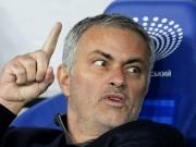 """Bóng đá - Mourinho như thể đang cầu xin để không bị """"bay ghế"""""""