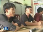 Video An ninh - Mâu thuẫn khi hát karaoke, vác đao kiếm đi hỗn chiến