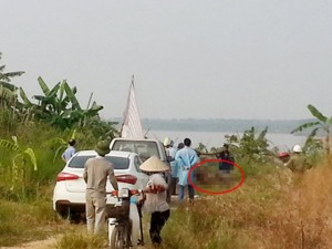 An ninh Xã hội - HN: Thi thể có dấu hiệu bất thường nổi trên sông Hồng