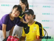 Bóng đá - Fan nữ Việt xinh tươi bên huyền thoại của Dortmund
