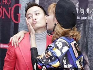Minh Hằng ôm hôn Lương Mạnh Hải giữa đám đông