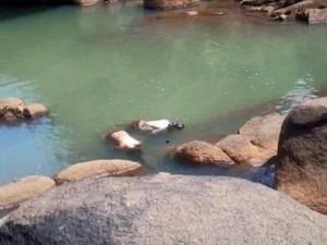 An ninh Xã hội - Hai nữ sinh lớp 7 chết bất thường tại suối đá