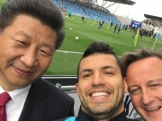 """Ngôi sao bóng đá - SAO 360 độ 24/10: Aguero """"tự sướng"""" với chủ tịch Trung Quốc"""