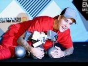Justin Bieber càn quét MTV EMA, vượt mặt Eminem