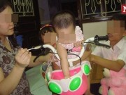 Bạn trẻ - Cuộc sống - Chuyện tình chàng mù dẫn người yêu đi chơi khắp Hà Nội