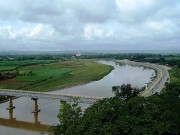 Tin tức trong ngày - Huyền thoại dòng sông chảy ngược