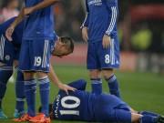 """Bóng đá - Stoke chơi """"triệt hạ"""", Chelsea lạnh sống lưng"""