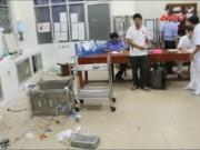 Video An ninh - Truy sát bệnh nhân đang cấp cứu, chém luôn bảo vệ