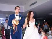 Mặt sau cánh gà - Bảo Trâm Vietnam Idol hạnh phúc trong ngày cưới