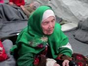 Thế giới - Cụ bà 105 tuổi đi bộ 20 ngày đến kiệt sức tìm nơi tị nạn