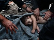 Ảnh: Giành giật sự sống cho trẻ em di cư đuối nước