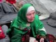 Cụ bà 105 tuổi đi bộ 20 ngày đến kiệt sức tìm nơi tị nạn
