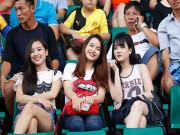 """Bóng đá - Fan nữ xinh """"cuồng nhiệt"""" với trận CK U21 Clear Men Cup"""