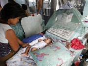 """Thế giới - Ảnh: Người sống """"ăn ở"""" cùng người chết ở Philippines"""