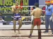 Thể thao - Muay Thái: Xoay người knock-out bằng đòn độc