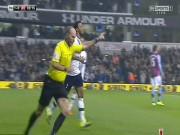 """Bóng đá - Trọng tài tai tiếng """"ăn mừng"""" bàn thắng của Tottenham"""