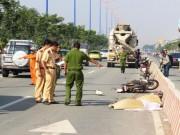 Tin tức trong ngày - Chạy xe máy vào làn ô tô, 2 nữ sinh bị xe bồn cán chết