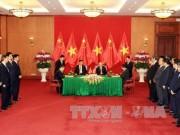Tin tức trong ngày - Việt - Trung ký kết nhiều văn bản, thỏa thuận hợp tác