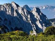 Thế giới - Cặp tình nhân Ý trốn đời, lên núi sống hoang dã