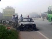 Tin tức trong ngày - Đốt rụi ô tô vì tài xế không chịu... chạy nhanh