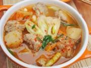 Ẩm thực - Canh kim chi củ cải nấu sườn cay cay nóng hổi