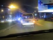 """Sự thật xe cứu thương bỏ mặc nạn nhân vụ  """" taxi điên """""""