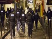 Thế giới - Video cảnh sát cuống khi đấu súng với khủng bố ở Pháp