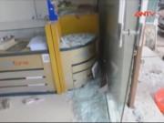 Video An ninh - Bình khí bơm xe nổ như bom, nhiều nhà dân hư hỏng