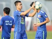 Bóng đá Việt Nam - Mito HollyHock mơ cao, Công Phượng có đất diễn