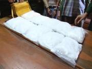 An ninh Xã hội - Chặn 10kg ma túy đá tuồn vào Việt Nam
