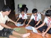 Tin tức Giáo dục - Tấm lòng người thầy khuyết tật