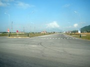 Tin tức Việt Nam - Huyện nghèo bỏ 240 tỷ làm đường 10 làn xe... để ngắm?